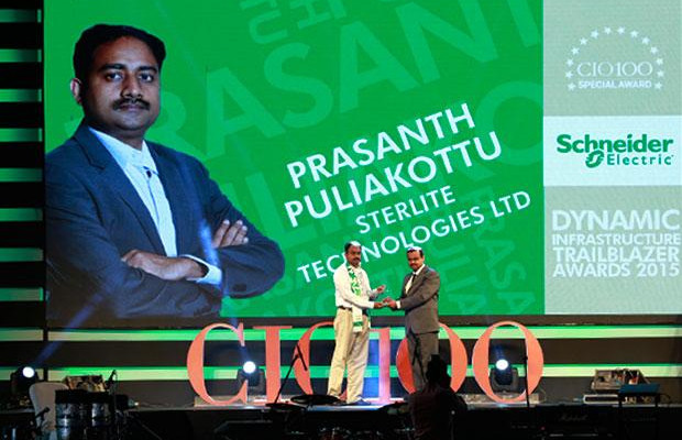 Dynamic Infrastructure Trailblazer: Prasanth Puliakottu, CIO of Sterlite Technologies receives the CIO100 Special Award for 2015 from Aniket Patange, Director-Datacenter Lifecycle Services, Schneider Electric IT Business