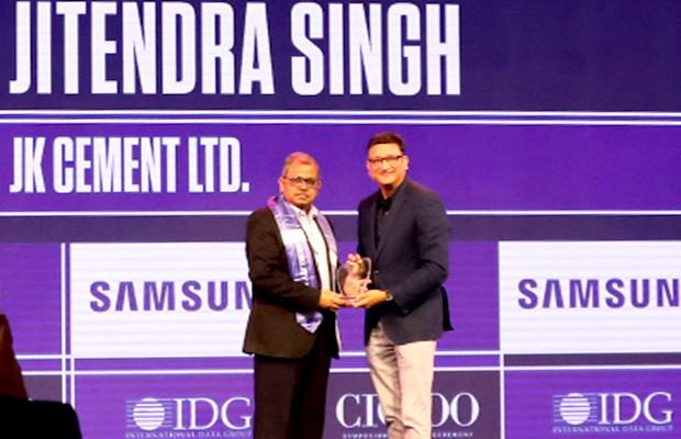 Mobility Maven: Jitendra Singh, CIO, JK Cement receives the CIO100 Special Award for 2019 from Sukesh Jain, Senior VP, Samsung Electronics