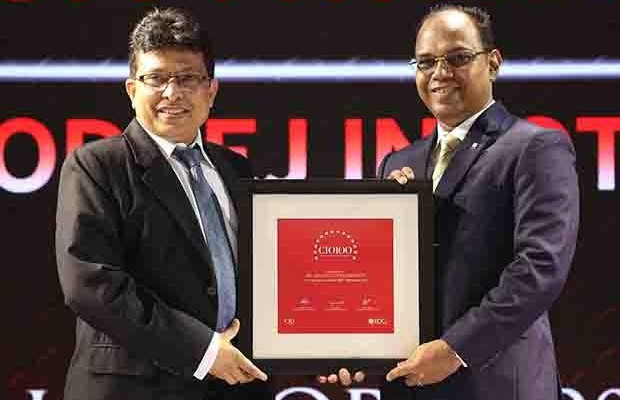 The Digital Innovators: Ajit Awasare, Head-IT Operations and Technology of Godrej Infotech receives the CIO100 Award for 2017