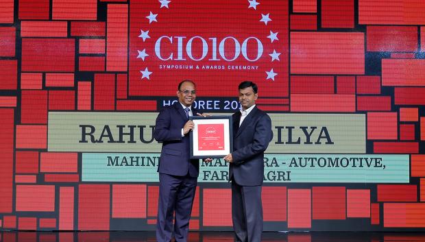 The Digital Architect: Gururaj Rao (on behalf of Rahul Shandilya, CIO–Digital Delivery Center & Information Insight Center at Mahindra & Mahindra, and CEO of Mahindra eMarkets) receives the CIO100 award for 2018