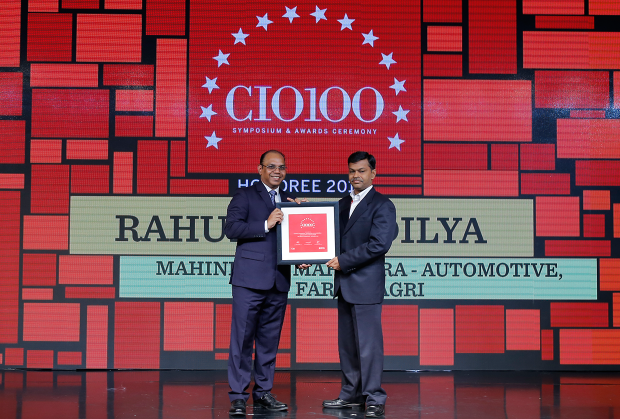 The Digital Architect: Gururaj Rao (on behalf of Rahul Shandilya, CIO–Digital Delivery Center & Information Insight Center at Mahindra & Mahindra, and CEO of Mahindra eMarkets) receives the CIO100 award for 2018