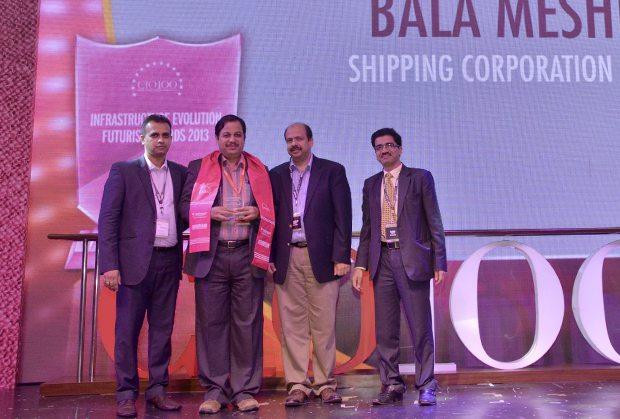 Infrastructure Evolution Futurist: Bala Meshram, Sr. VP & Head IT, The Shipping Corporation of India receives the CIO100 Special Award for 2013 from Sharad Sanghi, MD and CEO, Netmagic and Sunil Gupta, COO, Netmagic