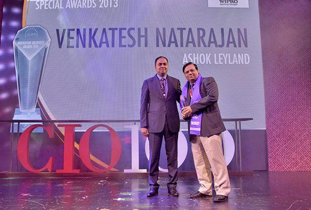 Innovation Architect: Venkatesh Natarajan, Special Director-IT of Ashok Leyland receives the CIO100 Special Award for 2013 from Anand Sankaran, Senior VP and Business Head, Wipro