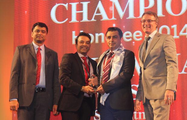 Business Assurance Champion: Mohammad Wasim, Director & Global Infrastructure Lead, Sapient Corporation receives the CIO100 Special Award for 2014, constituted in association with Blue Coat