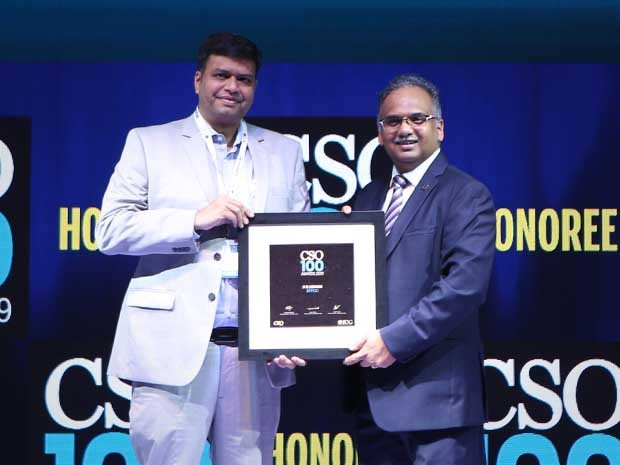 SK Singh, Senior Manager(Systems) at IFFCO receives the CSO100 Award for 2019