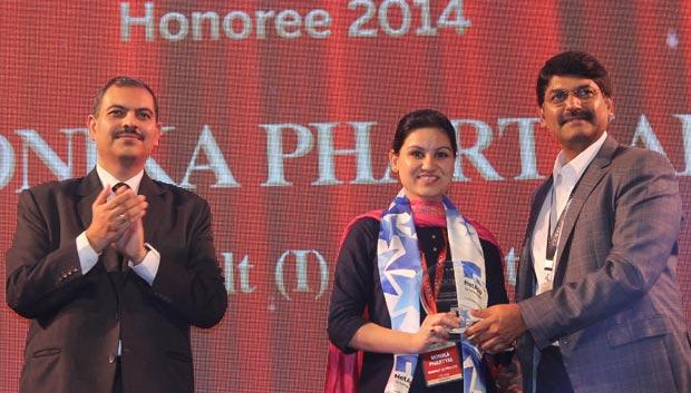 Cloud Conqueror: Monika Phartyal, Head-IS and IT of Renualt India receives the CIO100 Special Award for 2014 in association with NetApp India
