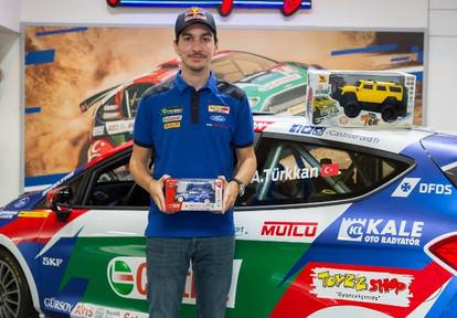 Toyzz Shop, Genç Ralli Şampiyonu Ali Türkkan'ın Destekçisi Oldu