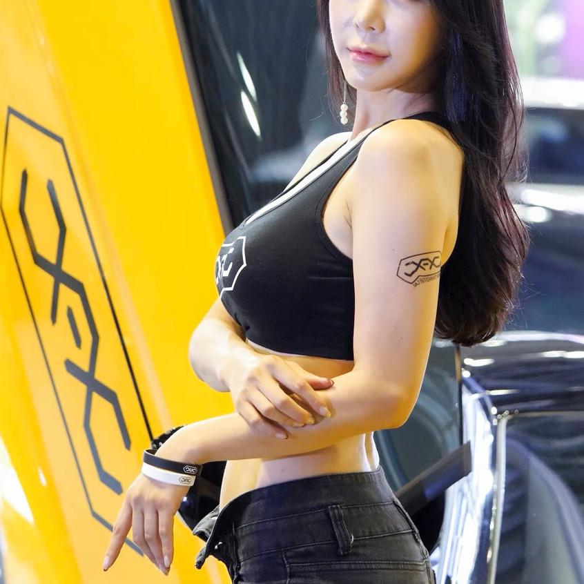 AutoSalon_Autoweek_20191003_UmJiA_01_v2.