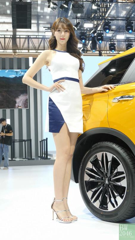 廣州汽車展 | Auto Guangzhou 2019 - 車模 #27 @  一汽奔腾 T77