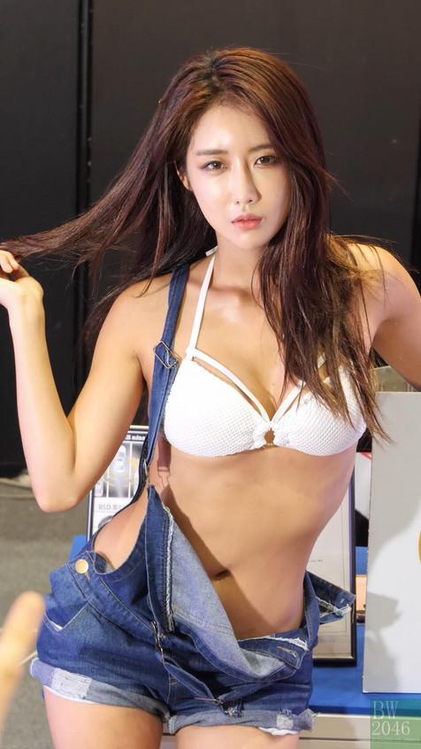 SAS_20180720_Bikini_booth_01_v3