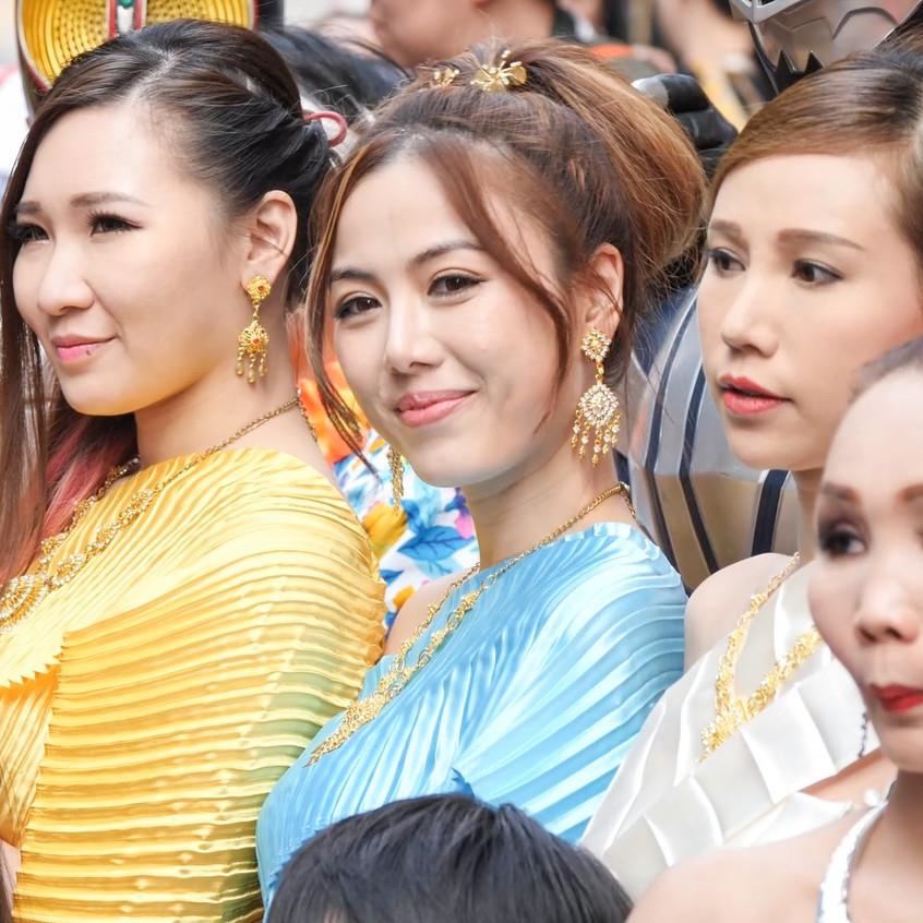 ThaiWaterFestival_20180401_All_01_v2.mp4_snapshot_00.14_[2018.04.03_21.20.12]