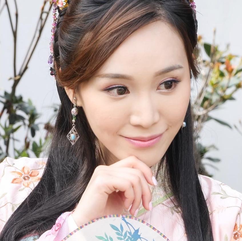 FlowerFestival_TVB_20180315_IrinaTang_01_v2.mp4_snapshot_00.18_[2018.03.16_18.08.32]
