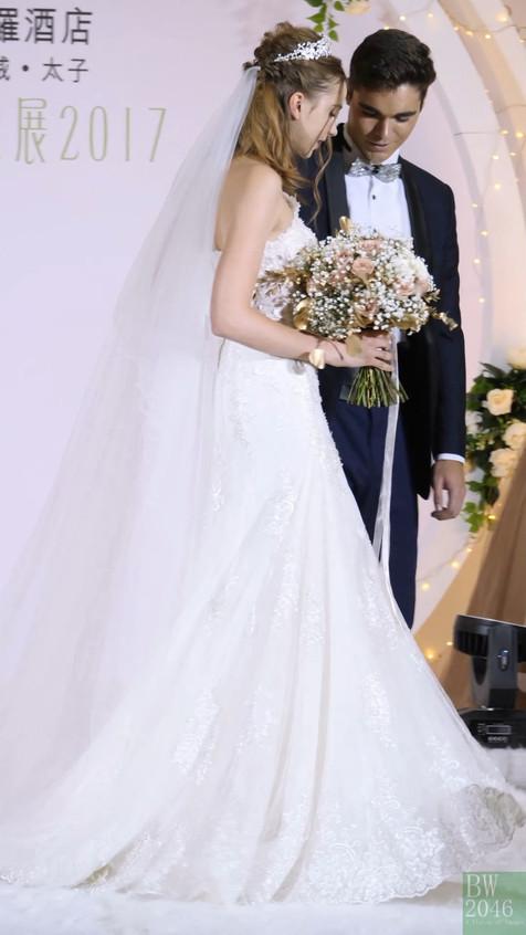 WeddingShow_MarcoPolo_20170917_All_01_v6.mp4_snapshot_00.44_[2017.09.18_13.58.02]