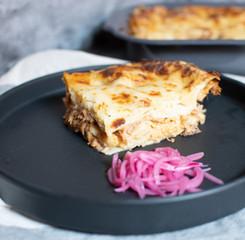 Lasagna cochinita pibil, bechamel de habanero