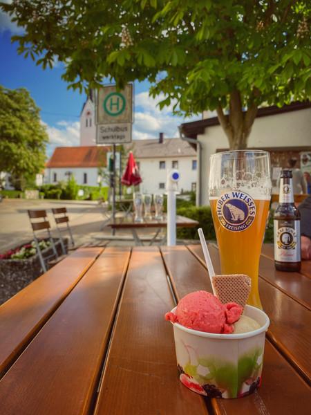Biergarten-Eis-Pucher-Dorfheim.jpg