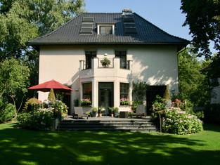 Umbau Villa ••