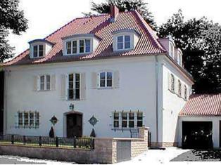 Umbau Villa •