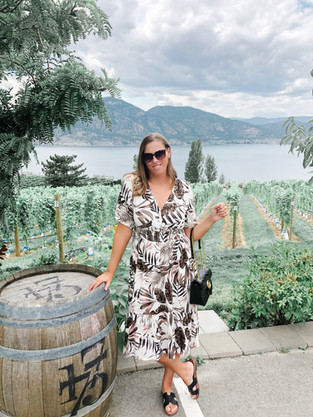 NARAMATA BENCH-A WEEKEND IN WINE COUNTRY