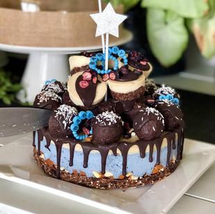 karlas cake.jpg