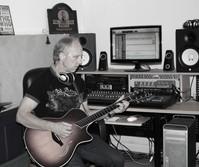 Rick Wright pickin a new riff