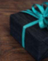 gift2-1420830_1920.jpg