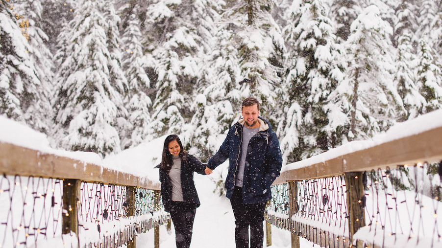 Engagement shoot in winter wonderland