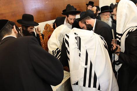 Bris Rabbi Shlomo Golish Mohel