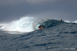 Teahupoo surf expedition with Cindy