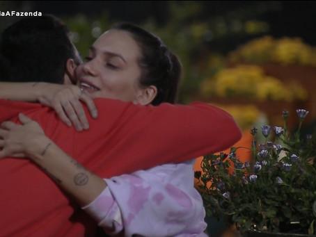 """A Fazenda 12: Stefani Bays diz perdoar Lipe Ribeiro e brinca: """"já fui cancelada""""; relembre briga"""