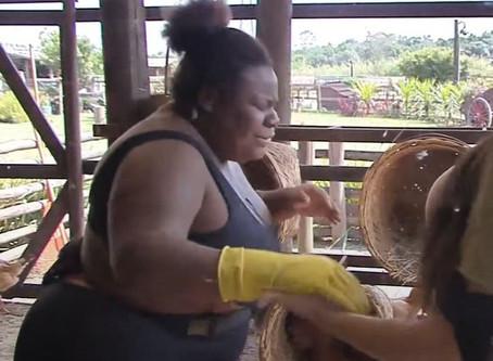 Jojo passa mal após iniciar tarefa com aves em A Fazenda 12