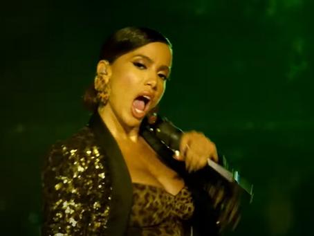 "Anitta apresenta ""Me Gusta"" no programa de Jimmy Fallon e bomba na web; veja"
