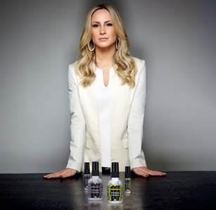 Claudia Leitte se torna sócia de empresa de bens de consumo