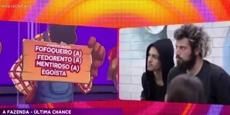 """Em """"Hora do Faro"""", Fernandinho Beatbox chama Cartolouco de fedorento e fofoqueiro"""