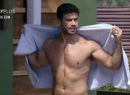 De toalha em A Fazenda, Mariano mostra demais e nude repercute na web; veja