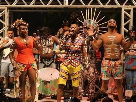 Raio-X dos Looks: 'Explosão de cores' inspira estilo da Timbalada nessa temporada