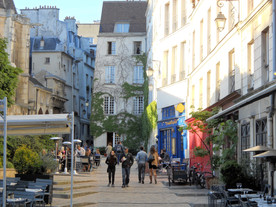 My first walk on the streets of Paris