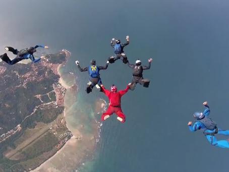 Globo Esporte cobre salto de wingsuit no Morro de São Paulo