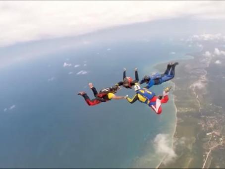 Cairu recebe competição de paraquedismo