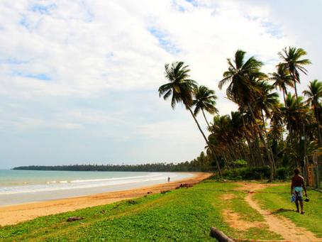 Praia baiana vizinha a Morro de SP é oásis para quem quer fugir do barulho