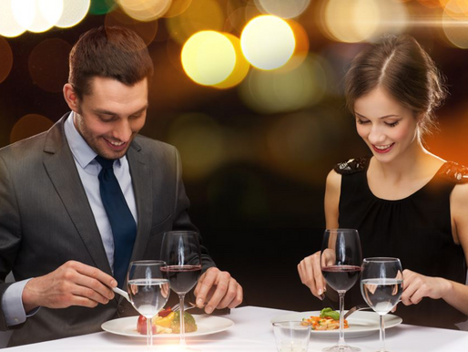 HOW TO BEHAVE AT FANCY RESTAURANTS ?