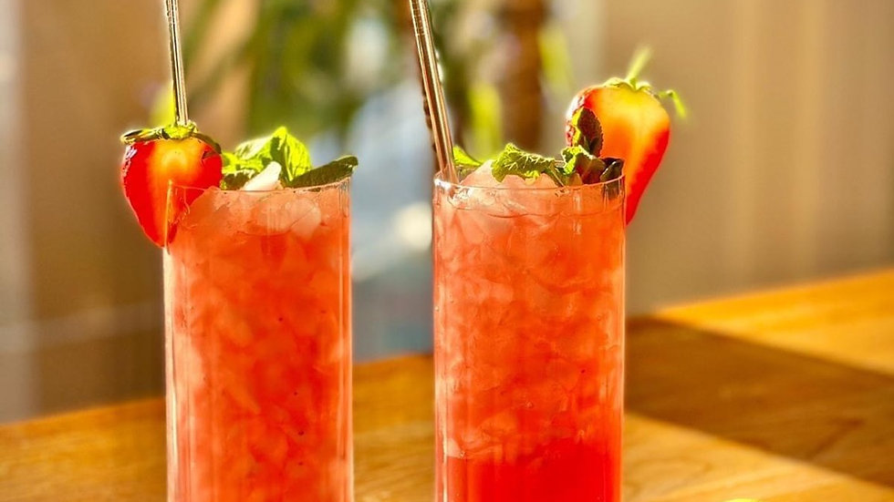 Strawberry & Elderflower Mojito 🍓