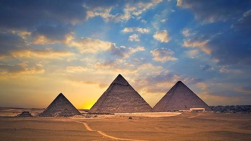 images-pyramides.jpg