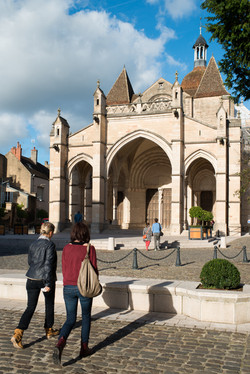 Collégiale_Notre_Dame_-_Beaune_Tourisme_