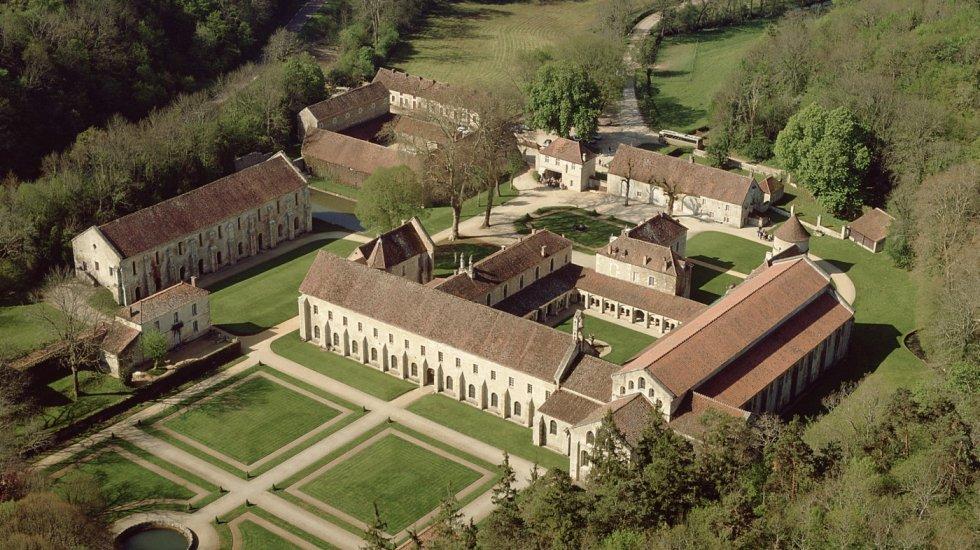 vue_aerienne_abbaye_de_fontenay_c_atout_france_daniel_philippe_0