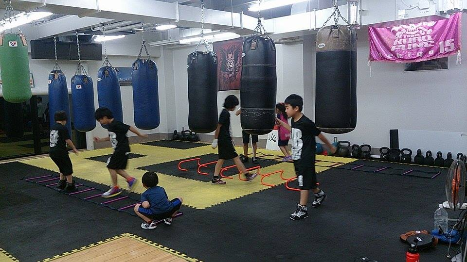 楽しくボクシングの技術を学びます