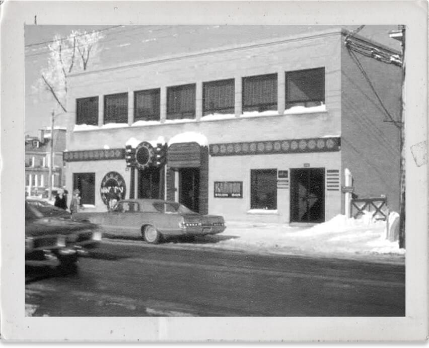 En 1969, le petit bar, le Karibou est née