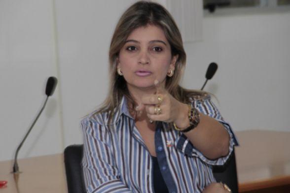 Prefeita Luciane Bezerra