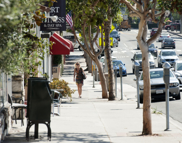 Fitness and Restaurants in Hip District - 0.8 mile