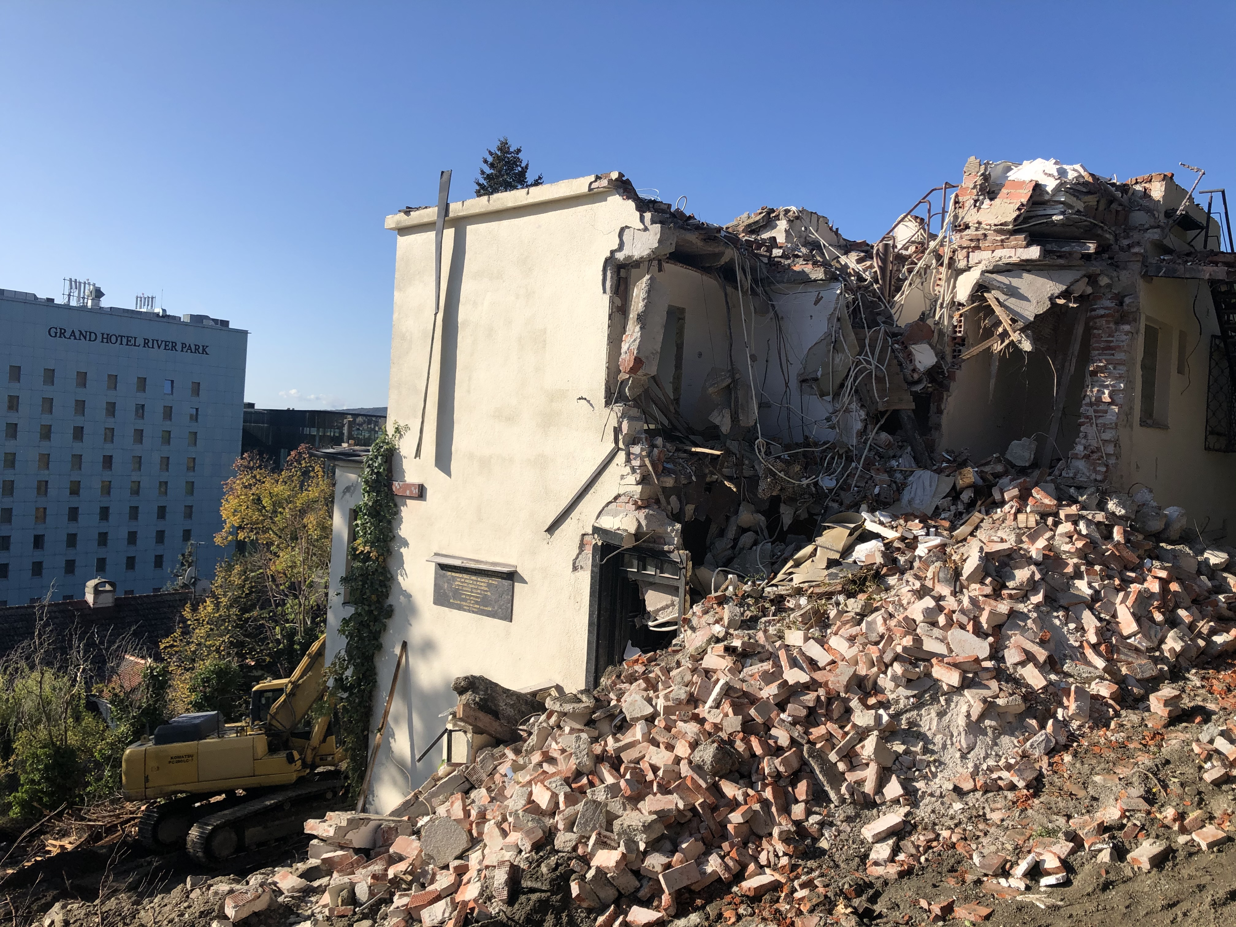 Búranie vily - Bratislava