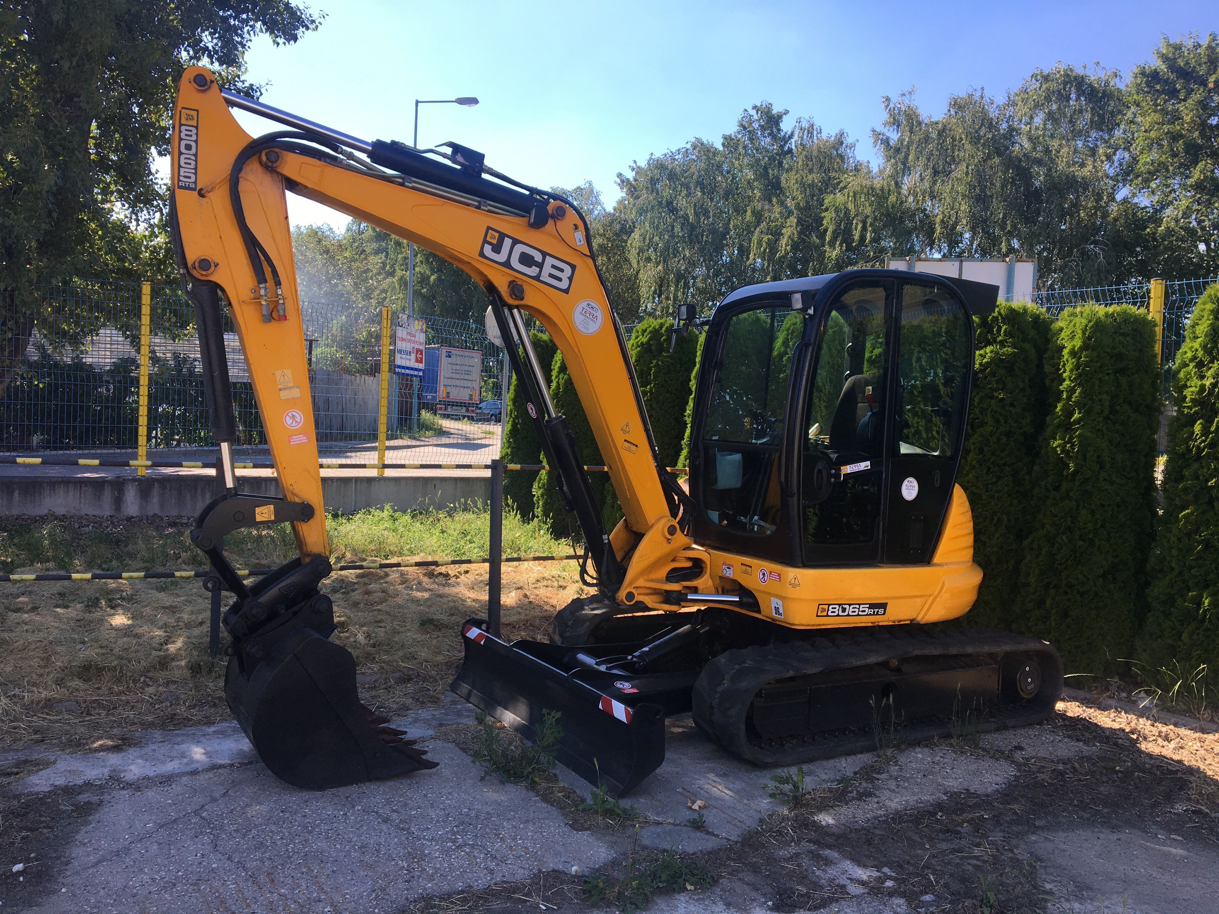 7t Bager JCB 8065 rts